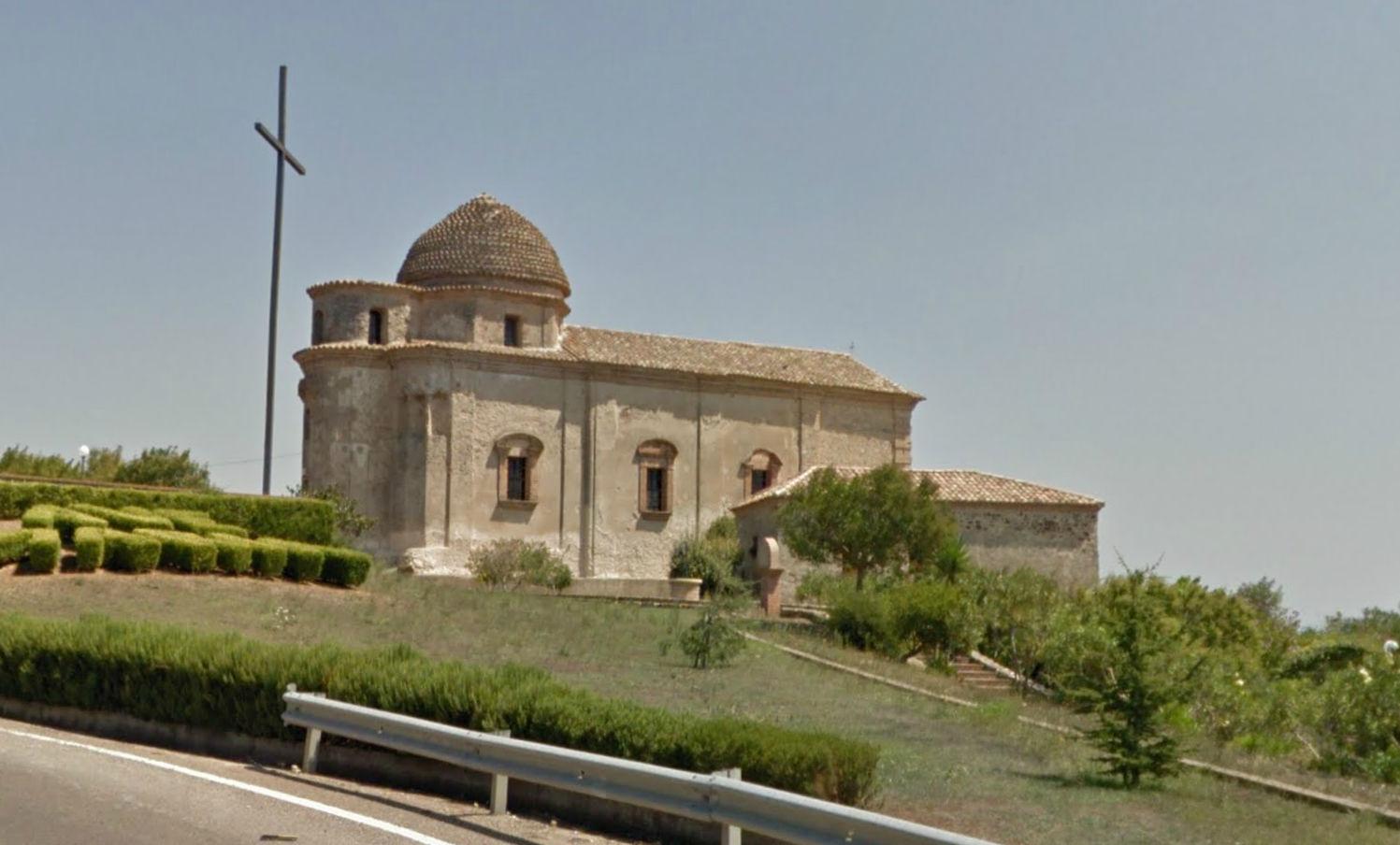"""Una chiesetta rupestre e l'Eremita della """"Santa Ruga"""" o Rubra gioiello del Vibonese."""