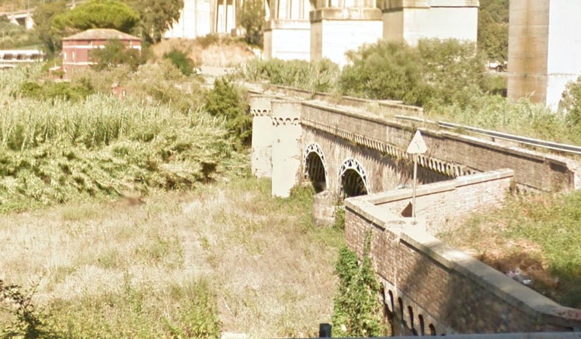 Ponte borbonico dell'Angitola provincia di Vibo Valentia……… (archeologia industriale)