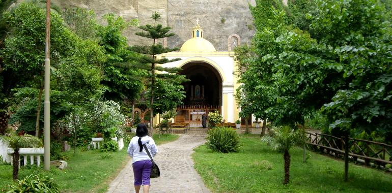Santuario della Madonna delle Fonti SPILINGA.