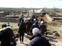 """Sui binari del Grand Tour.  Da Crotone a Sibari col """"Treno della Magna Grecia"""""""